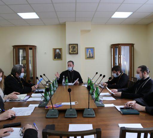 В Донской духовной семинарии под председательством ректора протоиерея Тимофея Фетисова состоялось заседание Ученого совета