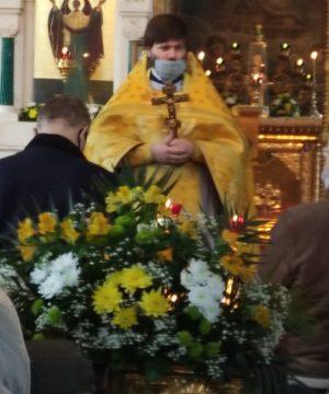 В день престольного праздника в семинарском храме Преполовения Пятидесятницы была совершена Божественная литургия