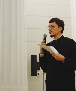 Богословие Красоты: Руководитель иконописного отделения ДДС выступил на IV Сретенском вечере искусств  в ЮФУ