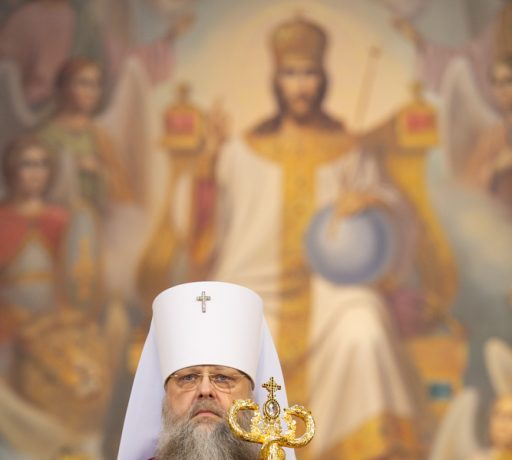 В день праздника Светлого Христова Воскресения, на Пасхальной вечерне, ректор Донской духовной семинарии сослужил Главе Донской митрополии